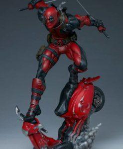 Marvel Premium Format Statue Deadpool 52 cm