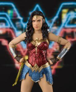 Wonder Woman 1984 S.H. Figuarts Action Figure Wonder Woman 15 cm