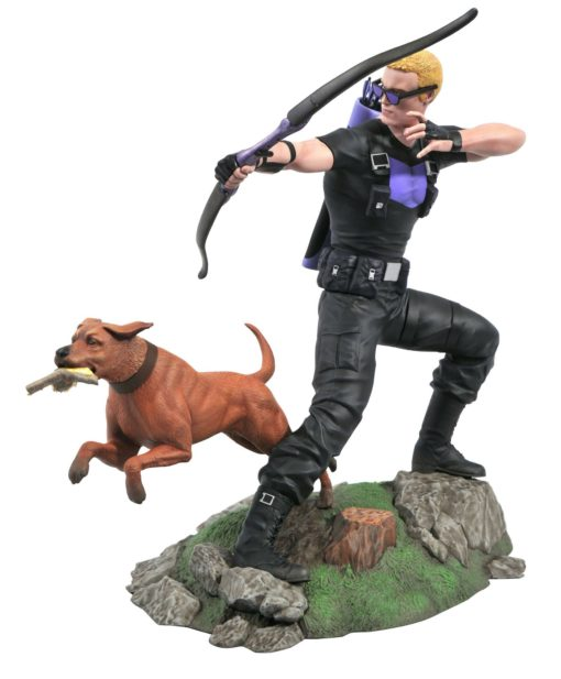 Marvel Comic Gallery PVC Statue Hawkeye with Pizza Dog 23 cm